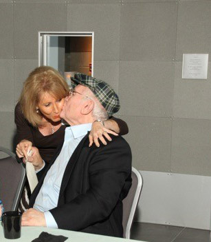 Pinchas Gutter gives Doris Lazarus a warm embrace after receiving her touching letter. Photo courtesy of Illinois Holocaust Museum and Education Center.