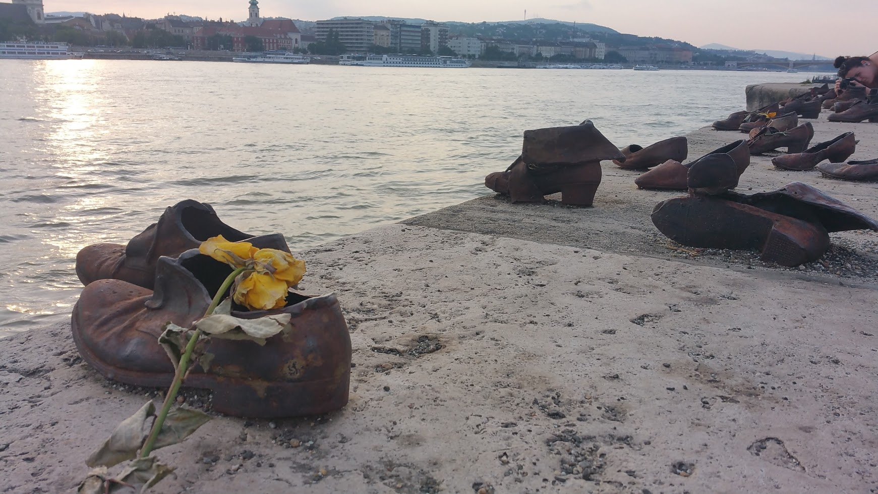 The memorial dedicated to the Jews shot inot the Danube by the Arrow Corss from 1944-1945.