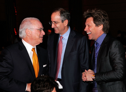 Steven A. Cozen, Event Co-Chair and USC Shoah Foundation Institute Board of Councilors Member; Brian L. Roberts; and Jon Bon Jovi