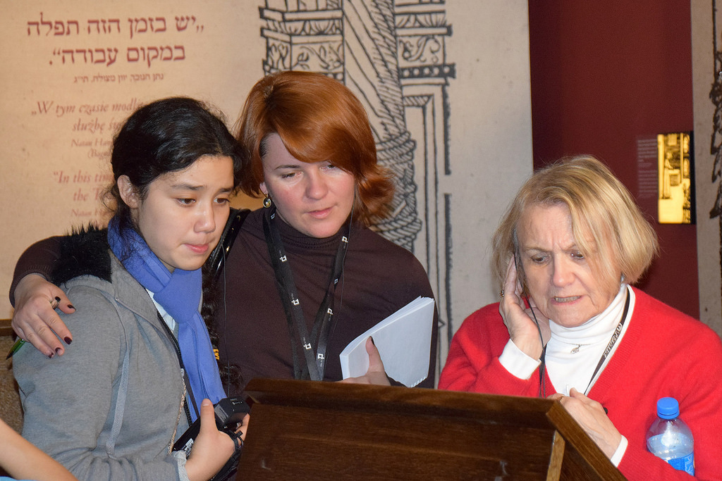 Ruth Hernandez, Ana Lenchovska and Paula Lebovics view an exhibit at the Museum of the History of Polish Jews. (USC Photo/Josh Grossberg)