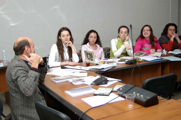Oleksandr Voytenko (left) at the Encountering Memory seminar in Kyiv, November 2007