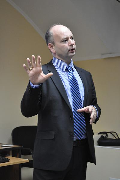 Stephen D. Smith, Executive Director of the USC Shoah Foundation Institute, speaks at the Interdisciplinary Judaic Studies Program of the National University Kyiv–Mohyla Academy.