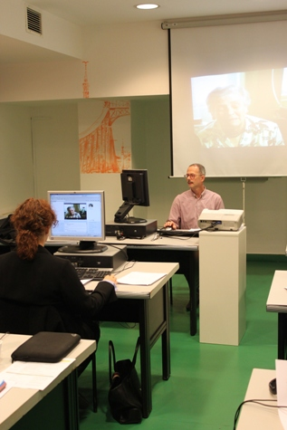 Péter Bérczi plays a segment of the search result testimony.