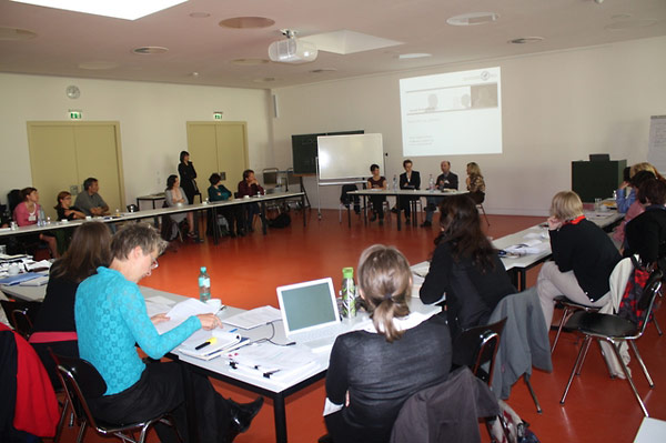 Educators and specialists discuss using video testimony in education in Berlin.