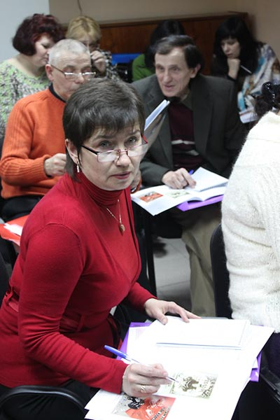 Seminar participants (left to right):  Larysa Kovtun, Mykhailo Savchenko, and Iurii Vovk.