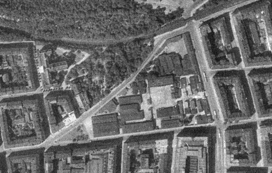 Letecký záběr na areál Radiotrhu v roce 1938. Podkladová data: VGHMÚř Dobruška, © MO ČR, © Útvar rozvoje hl. m. Prahy