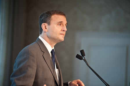 Phil Rosenthal, a longtime supporter and friend of the USC Shoah Foundation Institute.