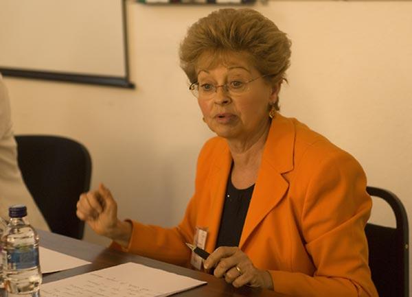 Doris Felsen-Escojido, SFI Regional Consultant, Italy.
