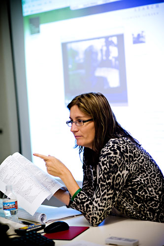 Sheila Hansen, Content Specialist at the Institute, leading a workshop session on comparing and contrasting the use of survivor presentation and videotaped testimony in the classroom.