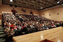 Il pubblico numeroso degli studenti e insegnanti milanesi e in collegamento video da Trapani, altrettanti studenti e insegnanti siciliani