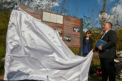 Unveiling the monument in Trutnov